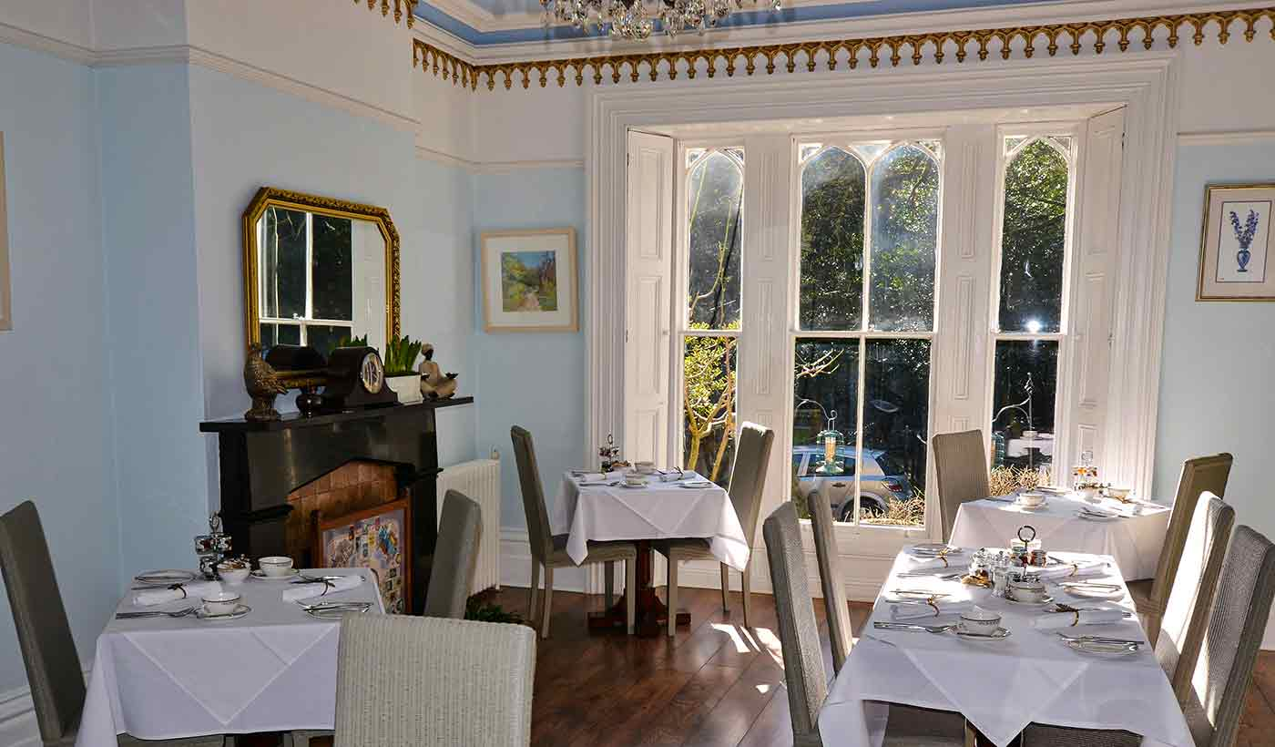 Glendon's light and airy classic dining room