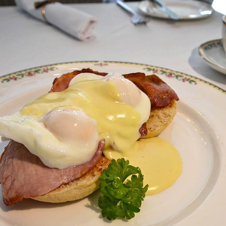Glendon breakfast, eggs benedict
