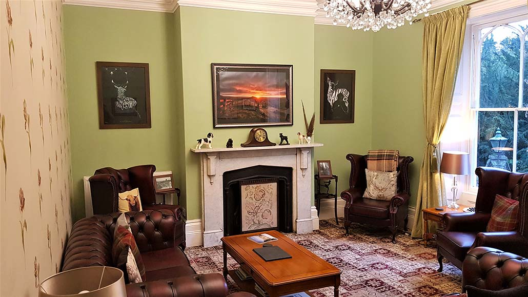 Guest sitting room at Glendon Bed and Breakfast