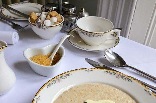 Porridge served with cream