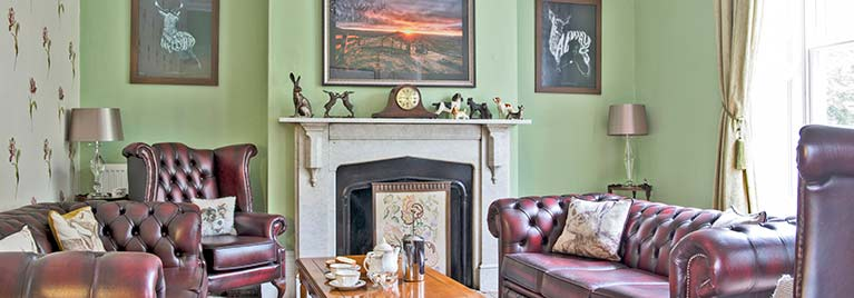 Glendon guest sitting room
