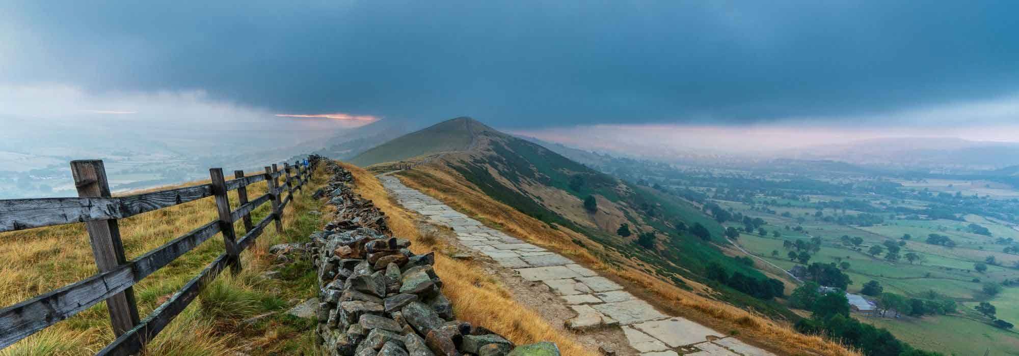 Mam Tor Hill a guide to climbing in the Peak District